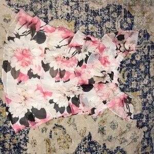 💥MAKE OFFER💥 beautiful ruffled shirt